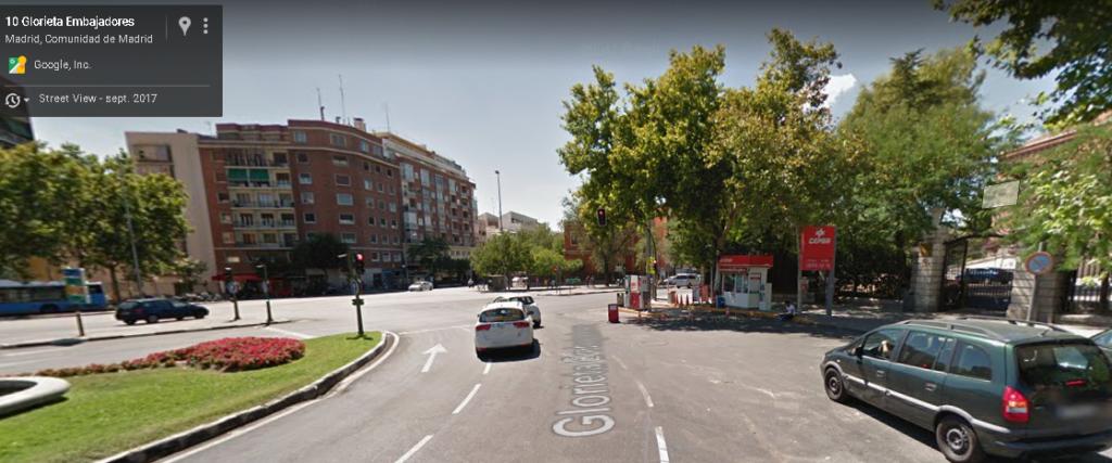 Madrid gasolinera Cepsa en la Glorieta Embajadores