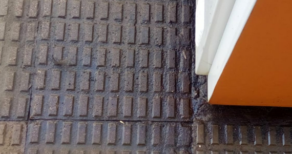 Filtraciones al subsuelo y riesgo en la superficie en los surtidores